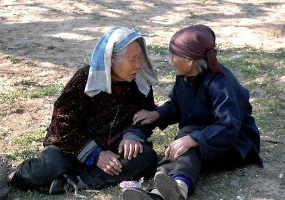 农村65岁以上老人,何时可以领取退休金
